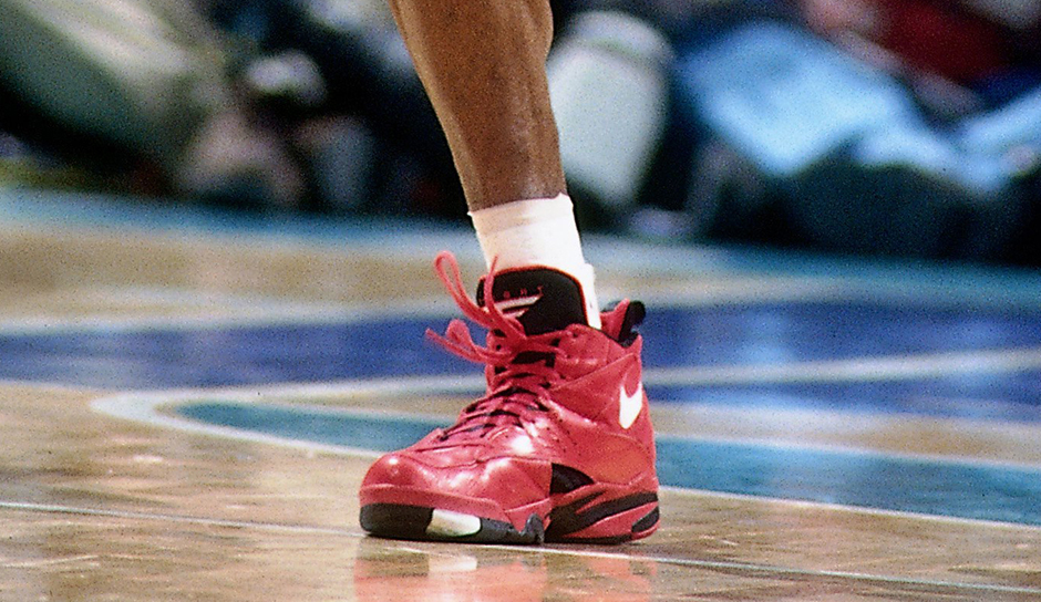 pippen red shoes